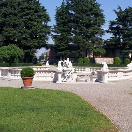 Photo taken at Villa Visconti Borromeo Litta by Marco P. on 5/29/2012