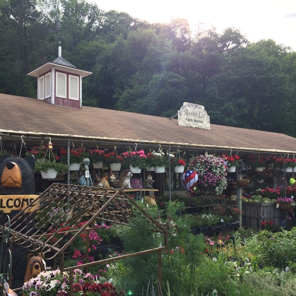 Photo taken at Auntie El's Farm Market by Ryan N. on 5/24/2015