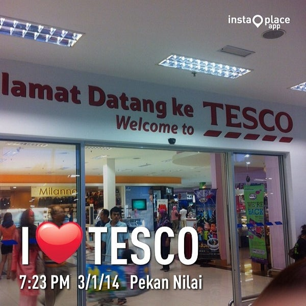 Photo taken at Tesco by Askvin Y. on 3/1/2014