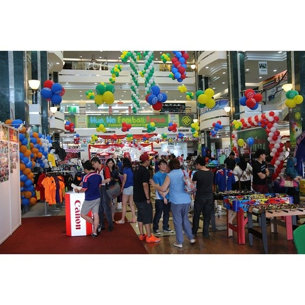 Photo taken at Hua Ho Mall Manggis by Pondok W. on 6/22/2014