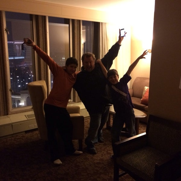 Photo taken at Sheraton Denver Downtown Hotel by Melissa W. on 2/23/2014