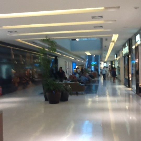 Photo taken at Shopping Recife by Nanda F. on 10/4/2012