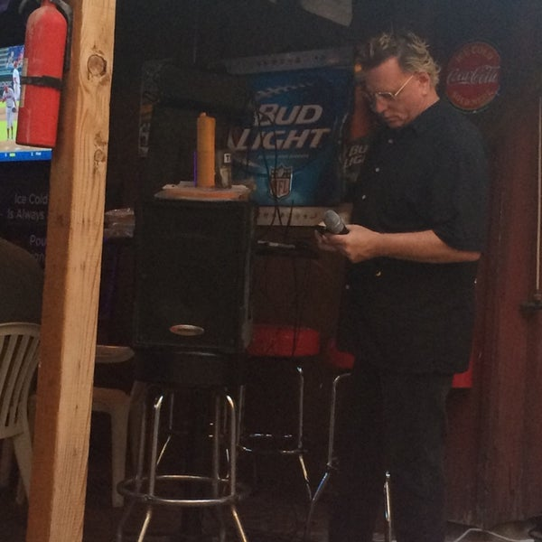 Photo taken at Cave Creek Smokehouse & Pour House Patio by Yxes 💋🌻💃🏽 ☕. on 7/27/2014