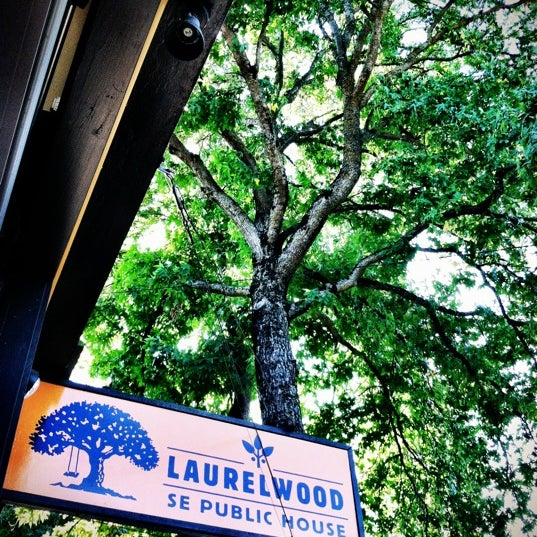 Laurelwood Se Public House Brewery In Sellwood Moreland