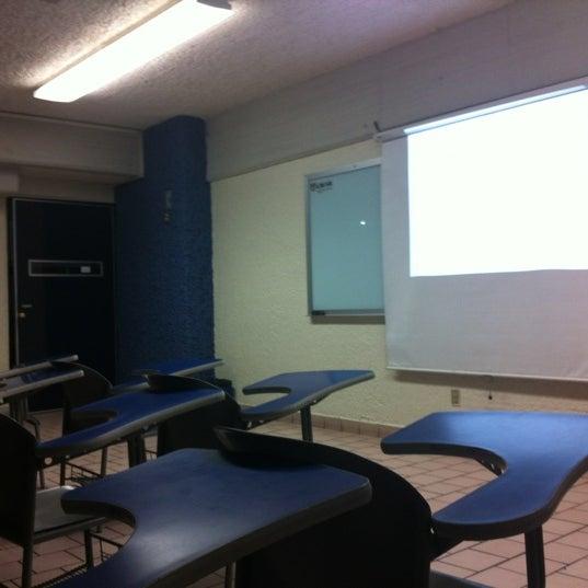 Photo taken at Universidad del Valle de Atemajac (UNIVA) by Arle V. on 10/18/2012