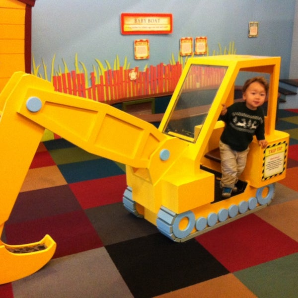 Photo taken at Long Island Children's Museum by Chieko B. on 10/10/2013