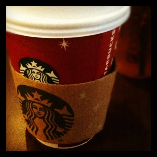 Photo taken at Starbucks by Alma A. on 11/13/2012