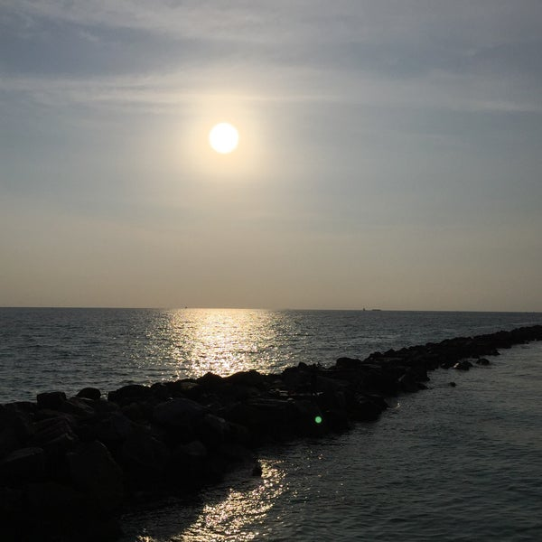 Photo taken at South Pointe Pier by Susumu on 4/28/2015