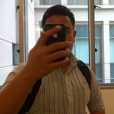 Photo taken at Jabatan Imigresen Malaysia by faiqha i. on 9/26/2012