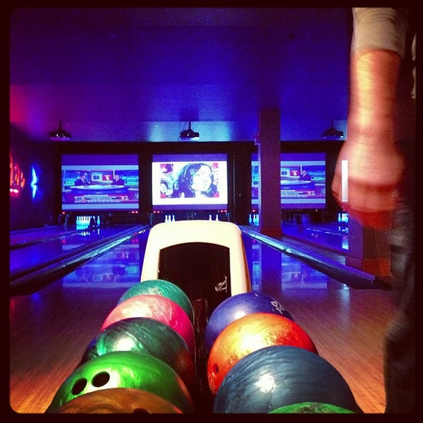 Photo taken at Lucky Strike New York by Jackie M. on 11/25/2012