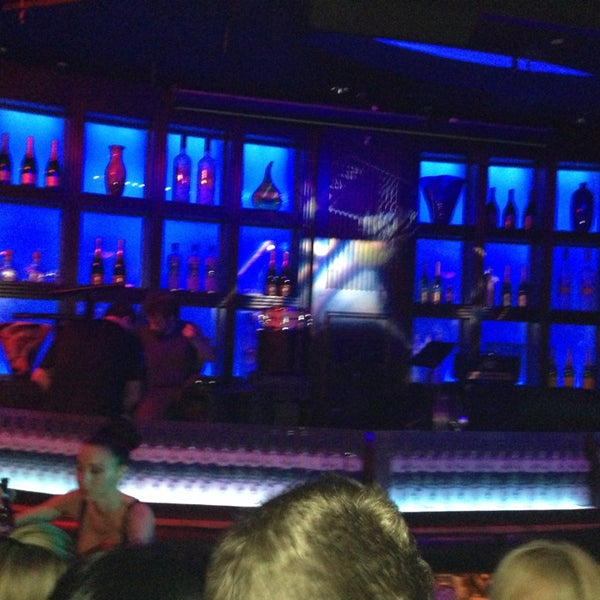 Photo taken at Blue Martini Brickell by Renato M. on 3/22/2013