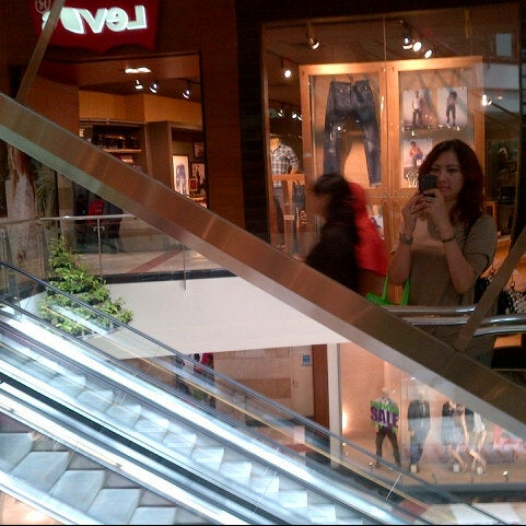 Photo taken at Pondok Indah Mall 2 by Ria R. on 4/9/2013