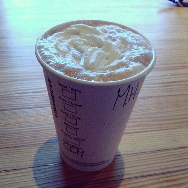 Photo taken at Starbucks by MH♪ on 9/8/2013