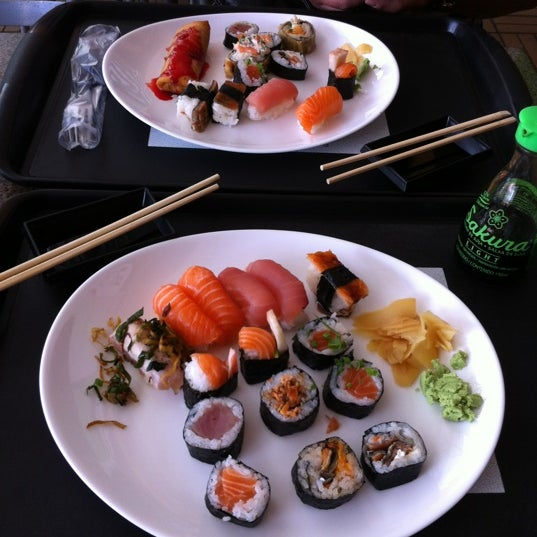 Photo taken at Banzai - Culinária Oriental by jojo on 10/9/2012
