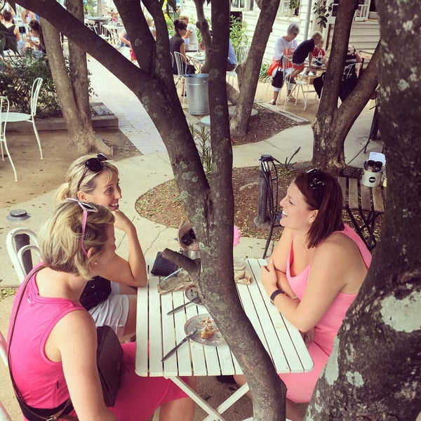 Where's Good? Holiday and vacation recommendations for Coolangatta, Australia. What's good to see, when's good to go and how's best to get there.