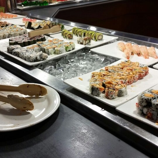 Photo taken at Hibachi Grill & Supreme Buffet by Joe E. on 4/20/2014