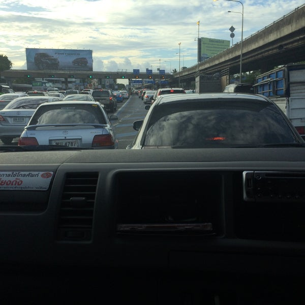 Photo taken at ด่านฯ ดาวคะนอง (Dao Khanong Toll Plaza) by Sasha R. on 7/23/2015