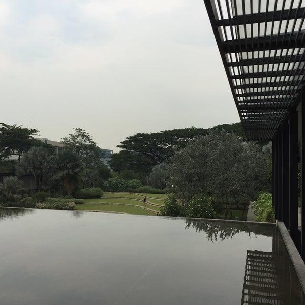 Photo taken at HortPark by Siu Rui Q. on 11/8/2015