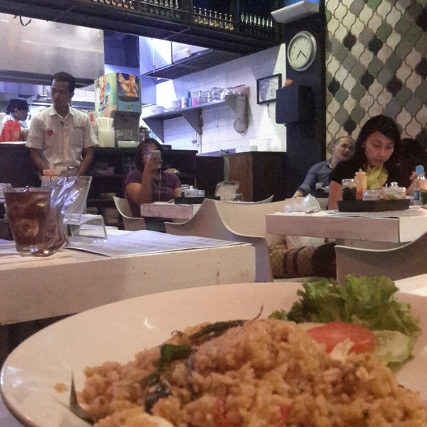Photo taken at Chopstix by Grace S. on 10/31/2014