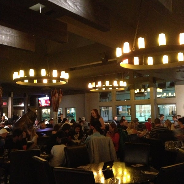 Photo taken at Earls Restaurant by Laura V. on 1/5/2013