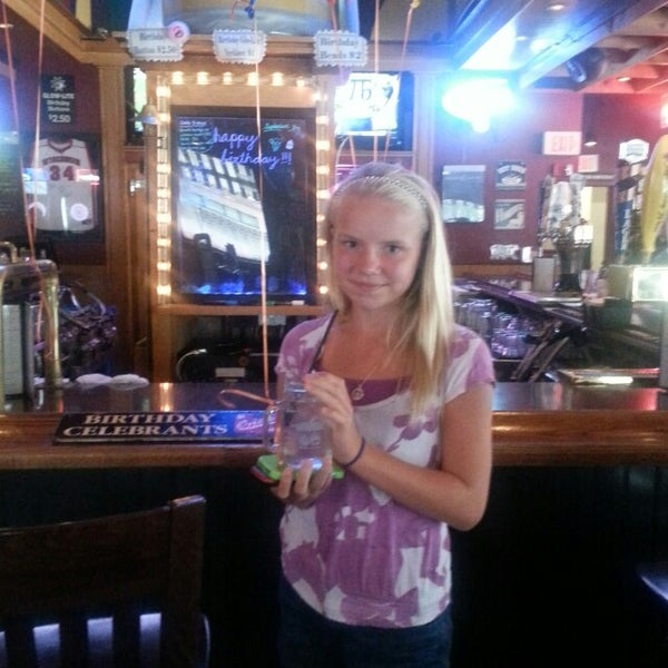 Photo taken at Nitty Gritty Restaurant & Bar by Amy R. on 9/8/2013