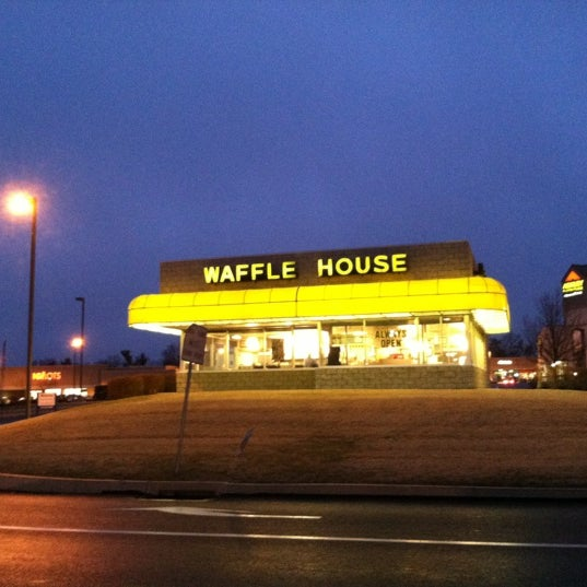 Photo taken at Waffle House by Matt N. on 2/15/2013