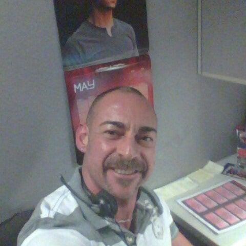 Photo taken at Verizon by Gerardo L. on 5/10/2013
