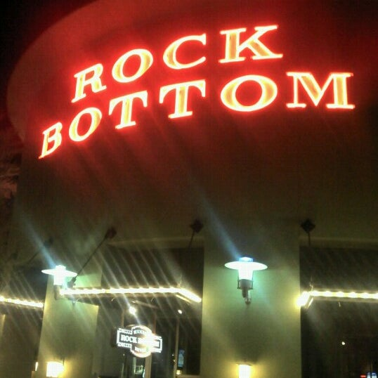 Photo taken at Rock Bottom Restaurant & Brewery by Milos S. on 11/3/2012