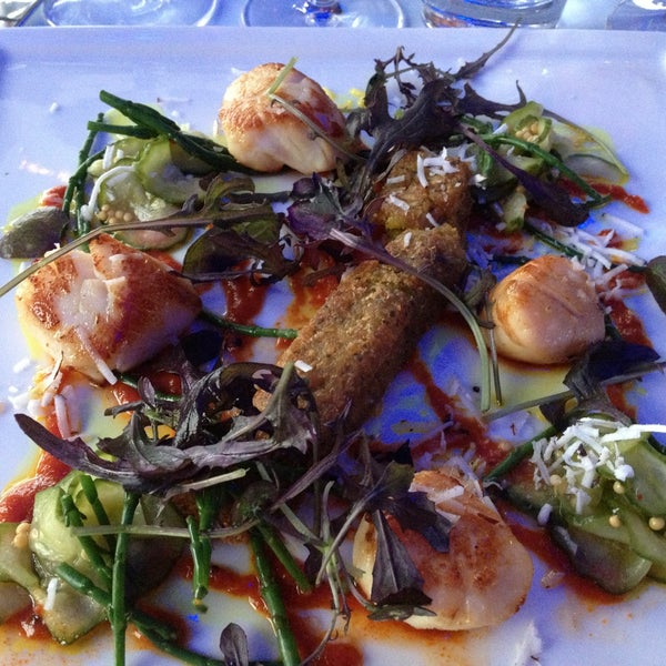 Book a table from net site. Handy! Great service, fantastic food and amazing views! Definatelly worth going! Try scallops. Yum!