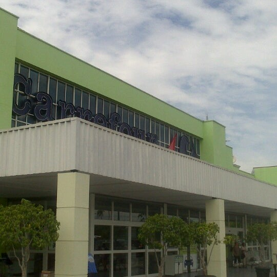 Photo taken at Carrefour by Leonardo R. on 4/10/2013