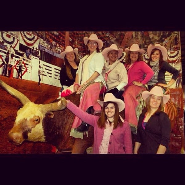Photo taken at Amon G. Carter Jr. Exhibits Hall by Fort Worth Stock Show on 1/28/2014