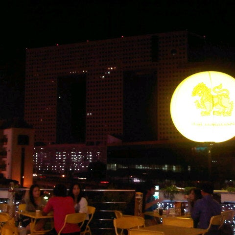 Photo taken at Suzuki Avenue Ratchayothin by Kok R. on 12/15/2012