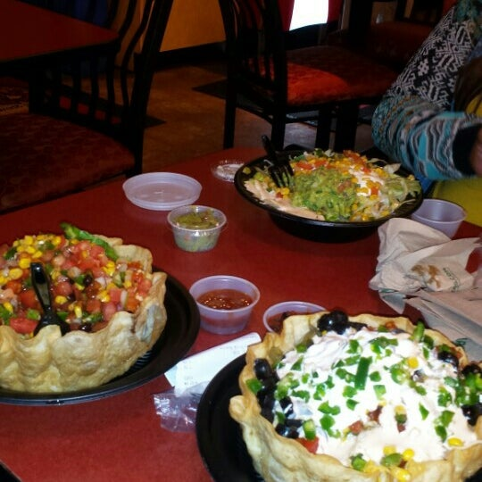Photo taken at Moe's Southwest Grill by Ashley A. on 9/13/2015