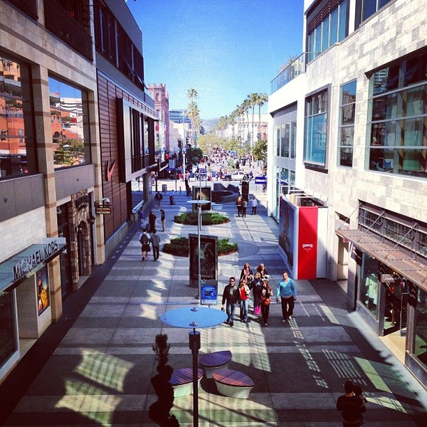 Reviews on Shopping in Santa Monica, CA , United States - Federal Realty Third Street Promenade, Santa Monica Place, Amiga Wild, The Closet Trading Company, Brat, Bonjour , AUST., Goods, Lunya, General Store.