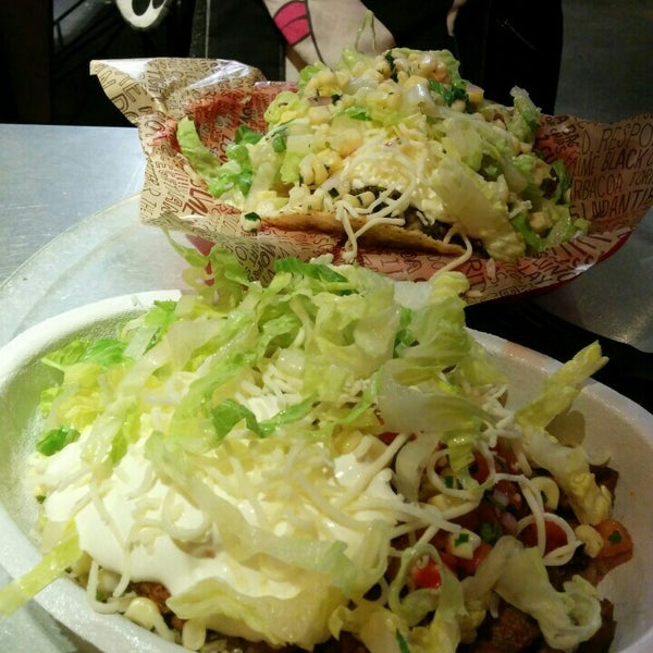 Photo taken at Chipotle Mexican Grill by Morton F. on 8/3/2015