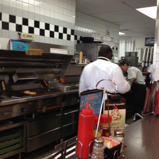 Photo taken at Steak 'n Shake by Sharon P. on 10/8/2012