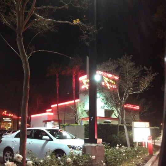 Photo taken at In-N-Out Burger by Jay S. on 12/25/2012