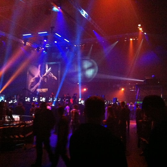 Photo taken at Heineken Music Hall by Jan B. on 11/12/2012