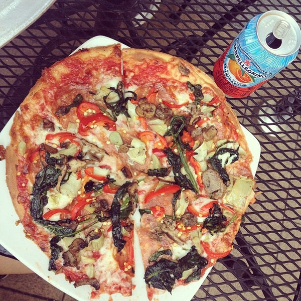 Photo taken at Pete's New Haven Style Apizza by Farrah S. on 4/16/2013
