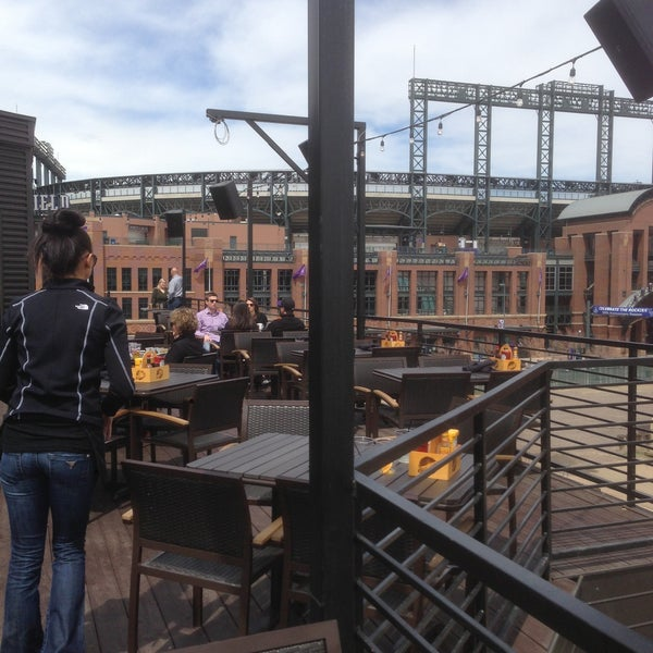 Photo taken at ViewHouse Eatery, Bar & Rooftop by Stan R. on 4/20/2013