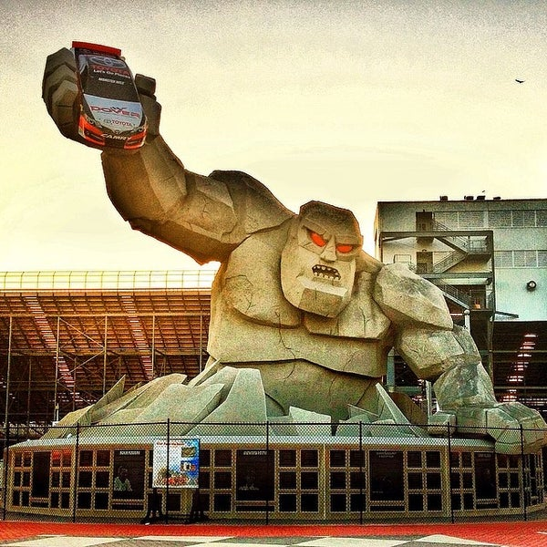 Photo taken at Dover International Speedway by MrMidgers on 3/21/2014