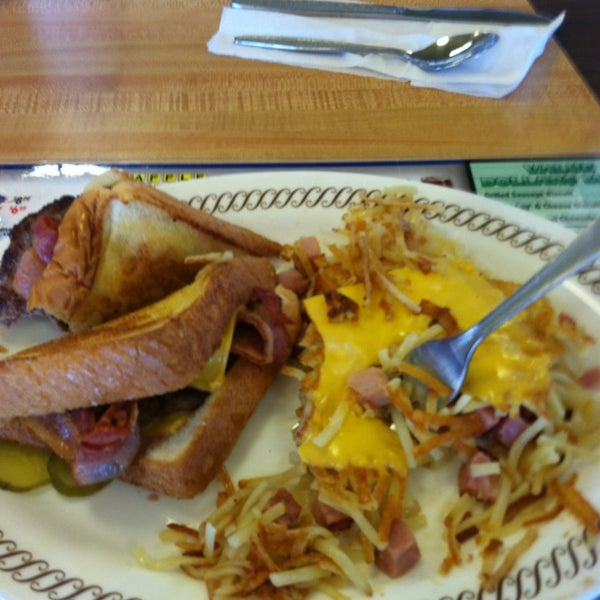Photo taken at Waffle House by Thomas K. on 2/20/2013