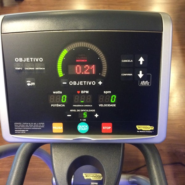 Photo taken at Smart Fit by Weber Q. on 2/23/2015