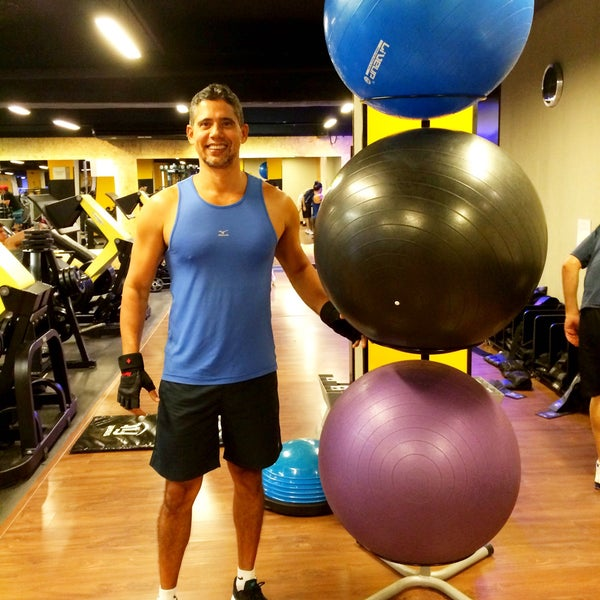 Photo taken at Smart Fit by Weber Q. on 4/29/2015