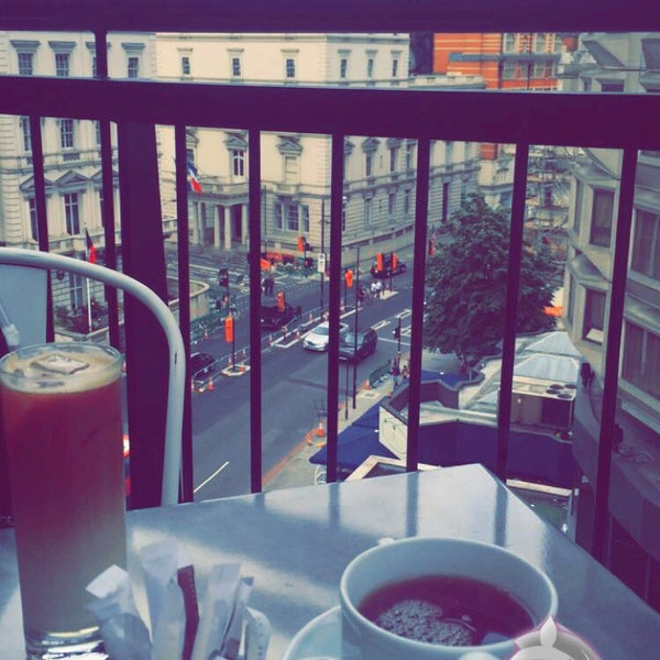 Photo taken at Fifth Floor Restaurant by Manahel on 7/13/2016