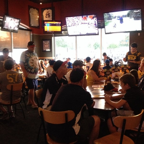 Photo taken at Buffalo Wild Wings by Jennifer D. on 7/21/2014