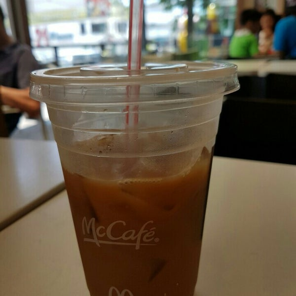 Photo taken at McDonald's by Cazz S. on 7/23/2016