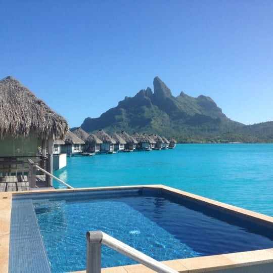 Where's Good? Holiday and vacation recommendations for Bora Bora, French Polynesia. What's good to see, when's good to go and how's best to get there.