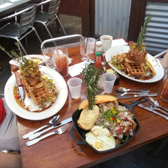 Photo taken at Hash House a Go Go by Timothy J. on 10/27/2012
