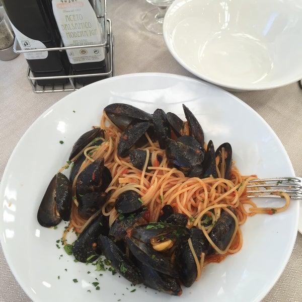 Photo taken at Canasta Pizzeria & Ristorante by Lerka N. on 6/21/2015